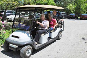 Bonnie Joachim leads a cart tour. Photo by Lorraine Meyer.